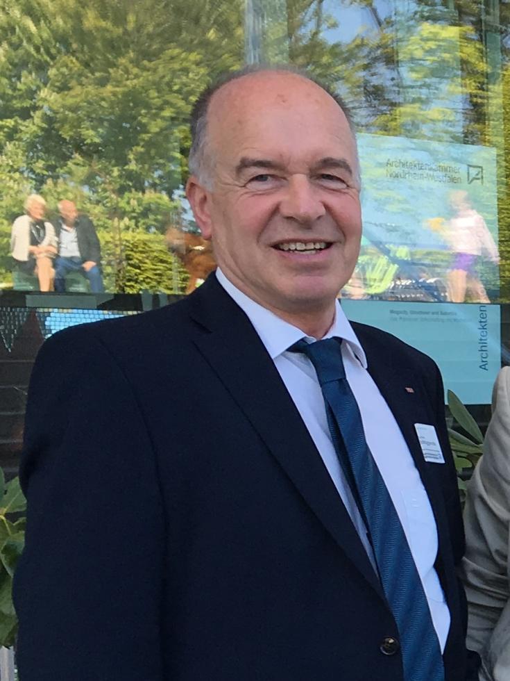 Klaus Brüggenolte wird 65