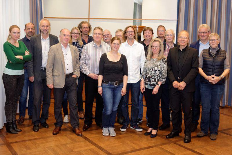 Die KollegInnen diskutieren in Dortmund, ein Gruppenbild